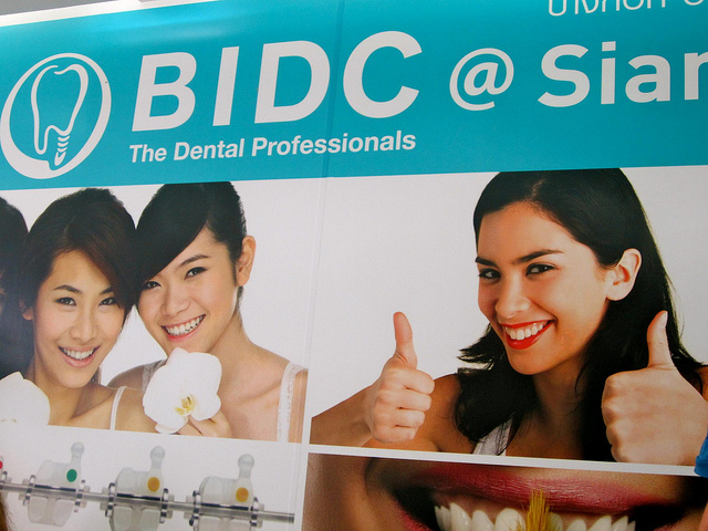 dentist-bangkok-traveling9to5