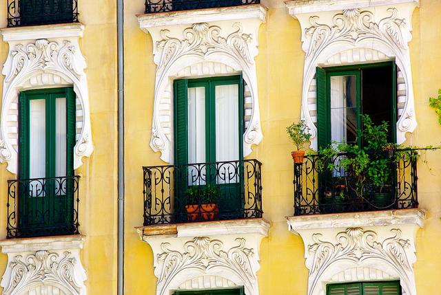 windows in madrid