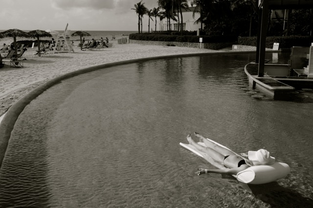 maternity photography at the grand lucayan